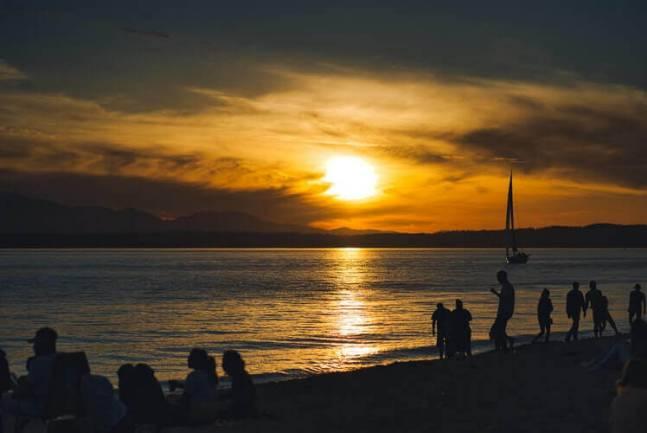 A sunset over the beach.